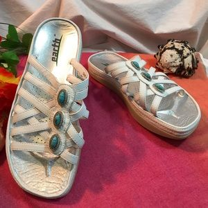 Earth White Leather Gem Kalso Technology 6.5